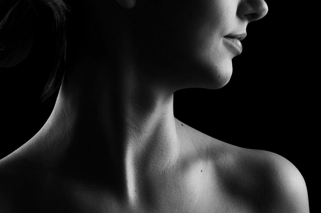慢性の首の痛みに悩む方